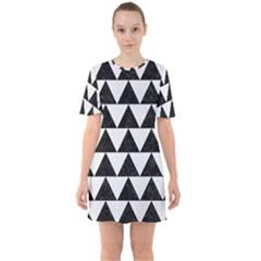 TRIANGLE2 BLACK MARBLE & WHITE LINEN Sixties Short Sleeve Mini Dress