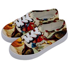 Vintage Thanksgiving Kids  Classic Low Top Sneakers by Valentinaart