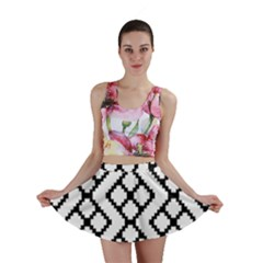 Abstract Tile Pattern Black White Triangle Plaid Chevron Mini Skirt