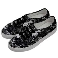 Graffiti Men s Classic Low Top Sneakers by ValentinaDesign