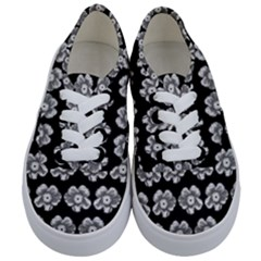 White Gray Flower Pattern On Black Kids  Classic Low Top Sneakers