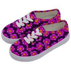 Pink Flower Pattern On Wine Red Kids  Classic Low Top Sneakers by Costasonlineshop