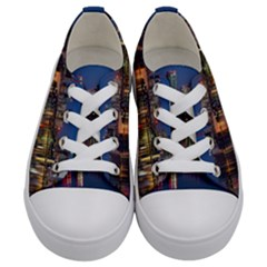 Buildings Can Cn Tower Canada Kids  Low Top Canvas Sneakers