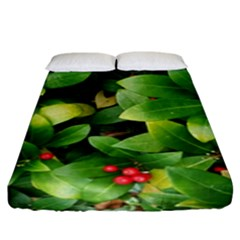 Christmas Season Floral Green Red Skimmia Flower Fitted Sheet (king Size) by yoursparklingshop
