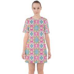 Christmas Wallpaper Sixties Short Sleeve Mini Dress