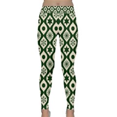 Green Ornate Christmas Pattern Classic Yoga Leggings