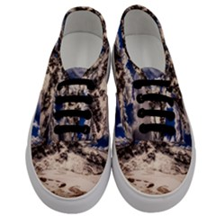 Italy Landscape Mountains Winter Men s Classic Low Top Sneakers