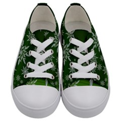 Christmas Star Ice Crystal Green Background Kids  Low Top Canvas Sneakers