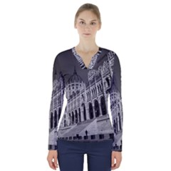 Architecture Parliament Landmark V Neck Long Sleeve Top