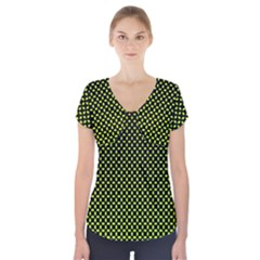 Pattern Halftone Background Dot Short Sleeve Front Detail Top