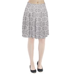 Background Wall Stone Carved White Pleated Skirt