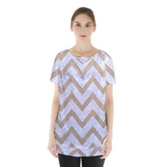 CHEVRON9 WHITE MARBLE & SAND (R) Skirt Hem Sports Top
