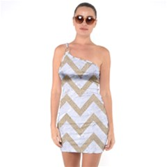 CHEVRON9 WHITE MARBLE & SAND (R) One Soulder Bodycon Dress