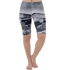 Omaha Airfield Airplain Hangar Cropped Leggings