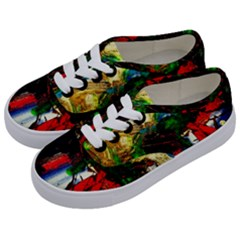 Catalina Island Not So Far 6 Kids  Classic Low Top Sneakers