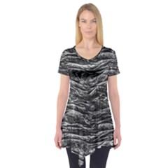 Dark Skin Texture Pattern Short Sleeve Tunic
