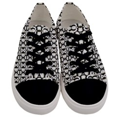 Captivating Men s Low Top Canvas Sneakers