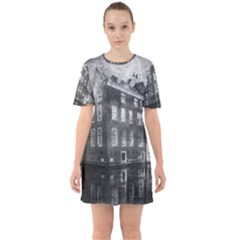Reflection Canal Water Street Sixties Short Sleeve Mini Dress