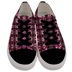 Butterflies In A Wonderful Forest Of Climbing Flowers Men s Low Top Canvas Sneakers