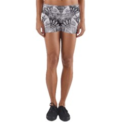 Black And White Fanned Feathers In Halftone Dots Yoga Shorts