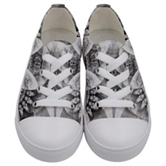 Black And White Fanned Feathers In Halftone Dots Kids  Low Top Canvas Sneakers