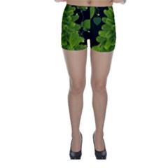 Decoration Green Black Background Skinny Shorts