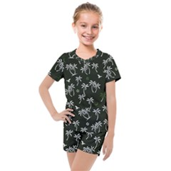 Tropical Pattern Kids  Mesh Tee And Shorts Set