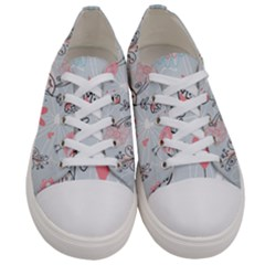 Cute Love Birds Valentines Day Theme  Women s Low Top Canvas Sneakers