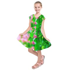 Green Birch Leaves, Pink Flowers Kids  Short Sleeve Dress