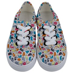 Funny Cute Colorful Cats Pattern Kids  Classic Low Top Sneakers