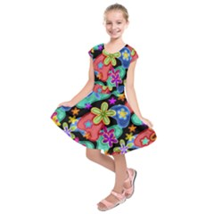 Colorful Retro Flowers Fractalius Pattern 1 Kids  Short Sleeve Dress