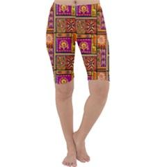 Traditional Africa Border Wallpaper Pattern Colored 3 Cropped Leggings