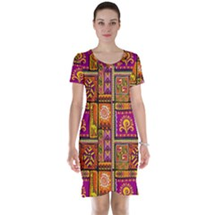 Traditional Africa Border Wallpaper Pattern Colored 3 Short Sleeve Nightdress