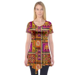 Traditional Africa Border Wallpaper Pattern Colored 3 Short Sleeve Tunic