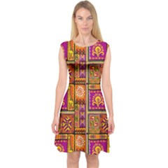 Traditional Africa Border Wallpaper Pattern Colored 3 Capsleeve Midi Dress