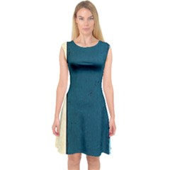 Flat Angle Capsleeve Midi Dress