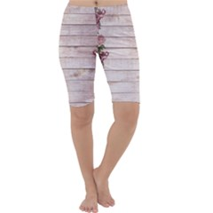 On Wood 1975944 1920 Cropped Leggings