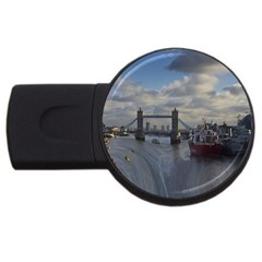 Thames Waterfall Color 2gb Usb Flash Drive (round) by Londonimages