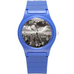 New York, Usa Round Plastic Sport Watch Small by artposters