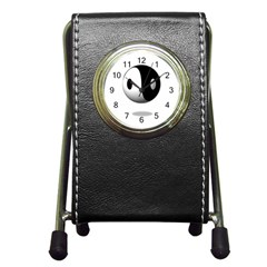 Yin Yang Stationery Holder Clock by hlehnerer