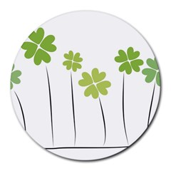 Clover 8  Mouse Pad (round) by magann