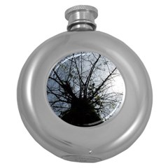 An Old Tree Hip Flask (round)