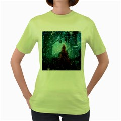 Elegant Winter Snow Flakes Gate Of Victory Paris France Womens  T Shirt (green) by chicelegantboutique