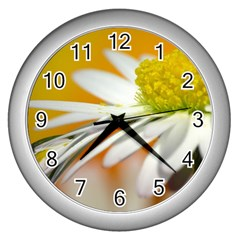Daisy With Drops Wall Clock (silver) by Siebenhuehner