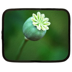 Poppy Capsules Netbook Case (xxl)