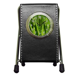 Grass Drops Stationery Holder Clock