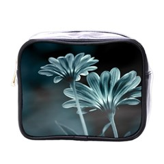 Osterspermum Mini Travel Toiletry Bag (one Side) by Siebenhuehner
