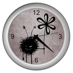 Evil Flower Bug Vintage Wall Clock (silver)