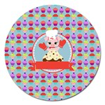 Cupcake with Cute Pig Chef Magnet 5  (Round)