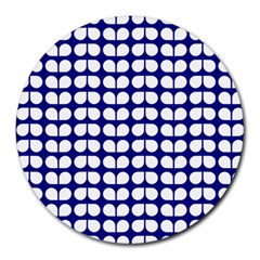 Blue And White Leaf Pattern 8  Mouse Pad (round) by creativemom